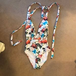 NWT cupshe floral one piece
